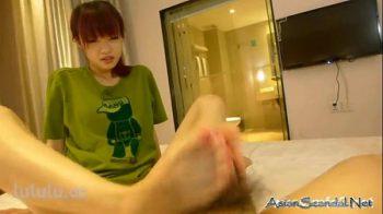 หนังโป๊เด็กลูกครึ่งลีลาการใช้เท้าชักว่าวน้องเยี่ยมมาก