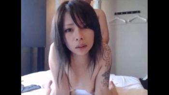 หนังโป๊ญี่ปุ่น แม่สาวรอยสักมังกรโดนเย็ดแบบอันเซ็นเซอร์ แตกคารูหีจนล้นทะลักออกมาโดนเบิร์นจนแทบหีจะปลิ้น