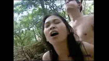 ช่วยสาวถูกข่มขืนเลยได้เสียวเสียเอง สาวยอมให้xxxในป่าอย่างเร่าร้อนเพื่อแทนบุญคุณที่ชวยให้พ้นจากมือโจร